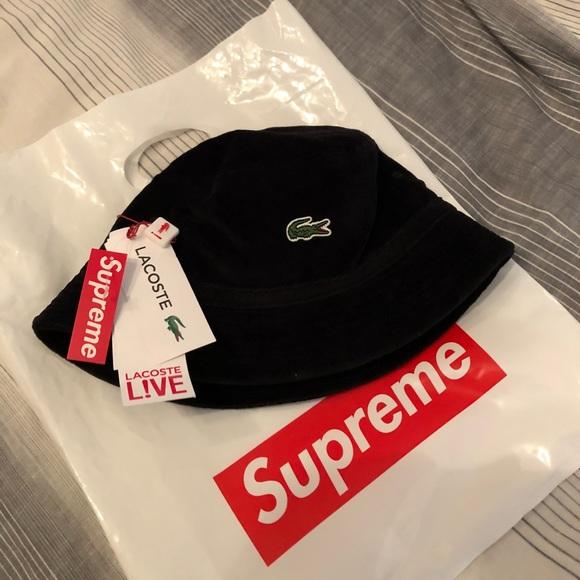 Supreme x Lacoste bucket hat. M 5afb76fe84b5ce7875dfbc25 e713c4d67c5